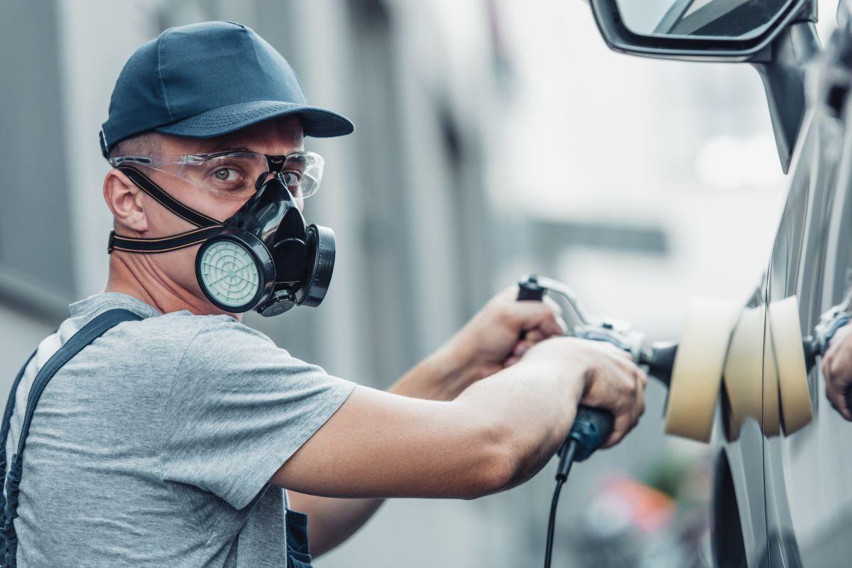 półmaska - skuteczna ochrona dróg oddechowych pracownika